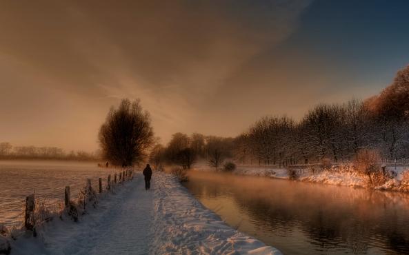 door het bos Amelisweerd bij Utrecht meandert de Kromme Rijn...